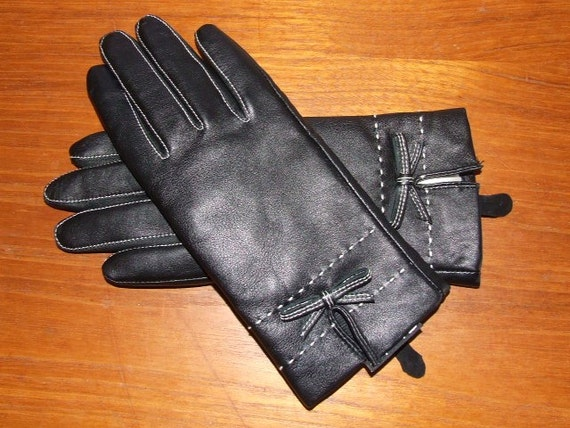 Black Leather Gloves w/ White Contrast Stitch and Bows Size Medium THINSULATE