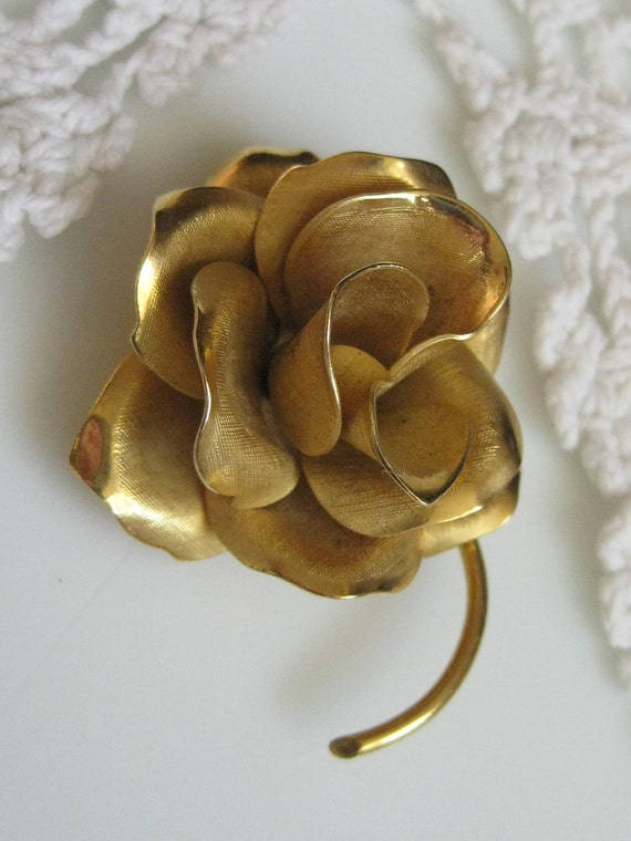 Vintage Goldtone Layered ROMANTIC ROSE Pin Brooch