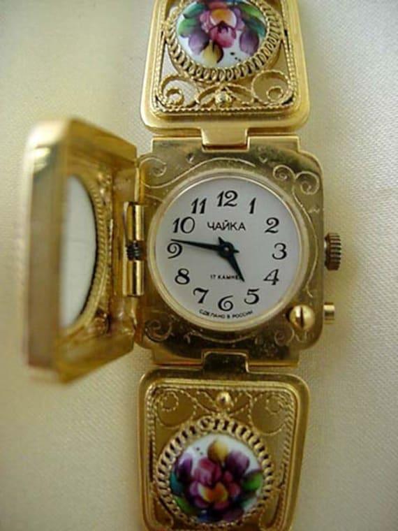 Russian watch  Signed Yanka (Chaika) vintage enameled women's watch gold plated 17 jewel