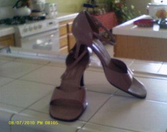 Vintage, mauve, Bandolino....shoes, sandals, heels,