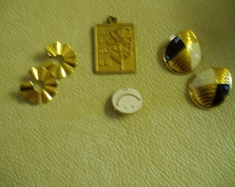 Vintage Jewelry/ 5 Pieces