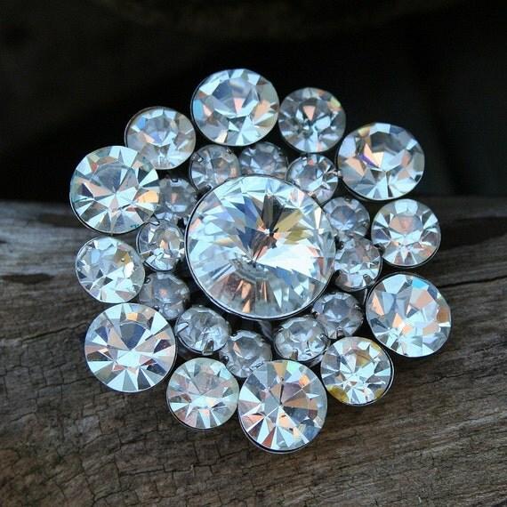 DAZZLING...vintage round rhinestone jeweled 1950s art deco dimensional crystal brooch wedding dress prom party pin