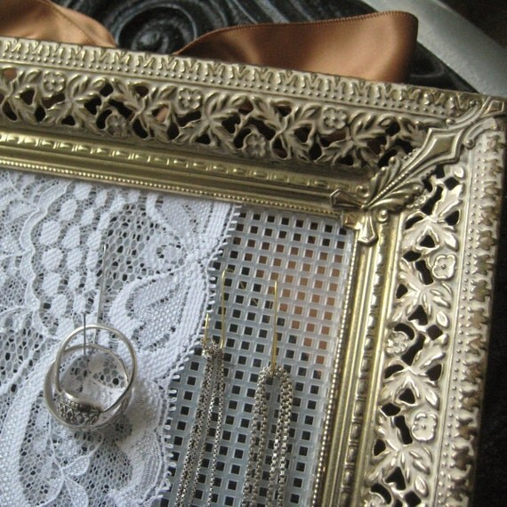 Romantic Repurposed Vintage Picture Frame Earring Holder Jewelry Organizer Display