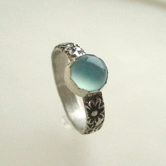 Vintage Floral Patterned Sterling Silver Pale Blue Chalcedony Gemstone Handmade Ring