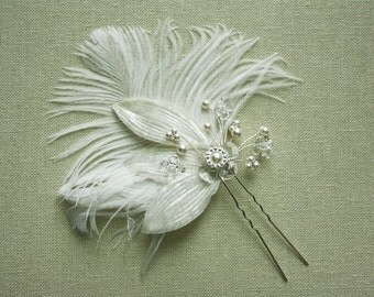 Bridal Feather Hair Pin, Wedding Head Piece, Bridal Head Piece, Feather Fascinator, Wedding Hair Accessory - ELLIE