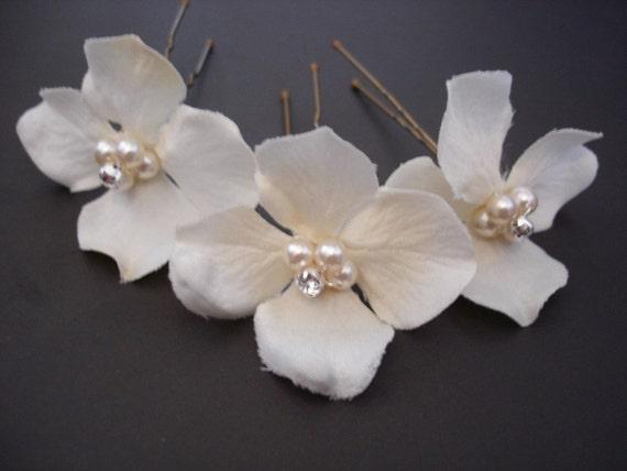 Bridal hairpins, Ivory Hydrangea, Beaded, Flowers, Set Of Three (3)