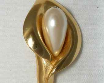 Artsy Large Faux Pearl Pin Brooch Formal Wedding