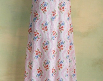 S Floral Print Fabric Gown Light Airy Muslin Old-Fashioned Country Cottage Leisure House Dress