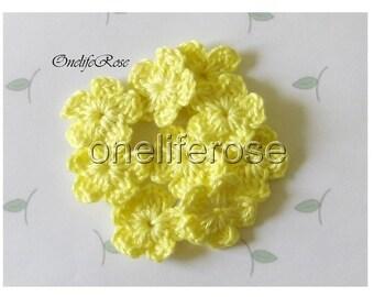 15 pcs Mini Crochet Flowers Lemon(00100)