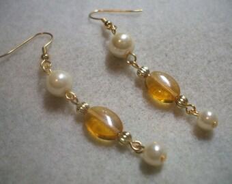 Pearl Earrings Topaz and cream vintage looking