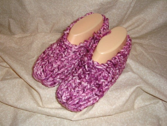 Knitted Slippers Women Size  5,6, or 7 and Mens Size 6,7,or8