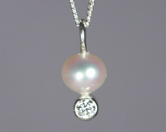 Pearl Drop Neck w-Stone (Cubic Zirconia)