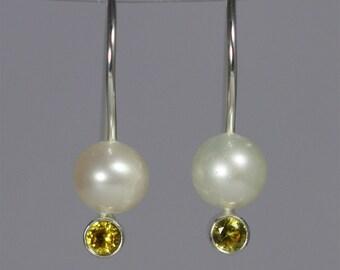 Pearl Drop Ear w-Stone (Golden Topaz)