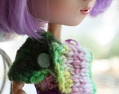 Juicy - Cowl \/ Capelet for your Blythe, Pullip or other fashion doll