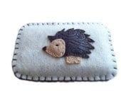 Hedgehog iPhone Cozy (ivory)