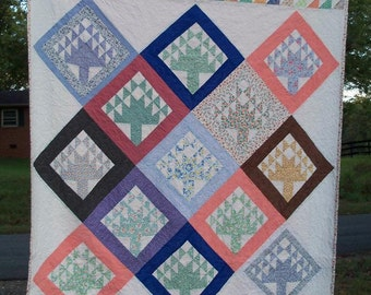 Quilt Tree Of Life 74 by 88 Inches Organic Batting Folk Style Contemporary Primitive