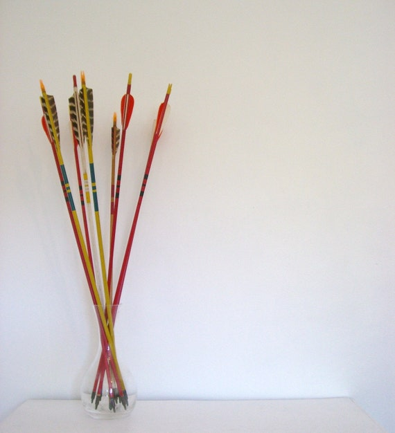 Vintage Wood Arrows (RED)