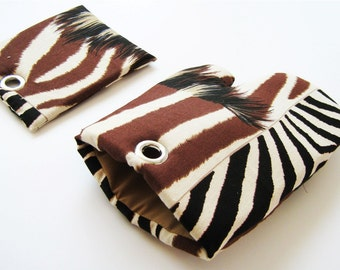 ANIMAL PRINT magnet set for Safari Zebras and Wild Life Fans Pot Holder and Oven Mitt