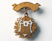 1897 Dublin University Boat Club Badge