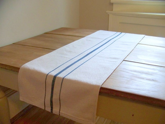grainsack table runner - navy blue stripe - canvas - vintage style