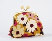 Color bobble pouch - Flowers Gold - metal frame clutch bag