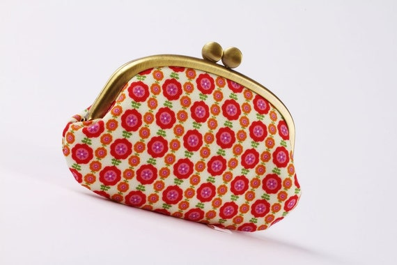 Big  Mickey - Tiny flowers in red - metal frame purse