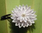 White Elegance Japanese Kanzashi Barrette