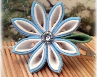 A Touch of Snow Kanzashi Clip