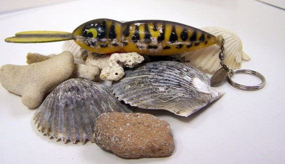 Vintage Rattlin' Fishing Lure Keychain Yellow and Black