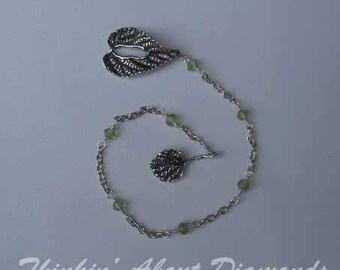 green peridot wire wrapped bracelet with leaf toggle clasp * august birthstone * august birthday gift * dainty bracelet * bridesmaid g