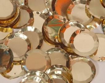 25 pcs 3D sequins.......pale golden circle
