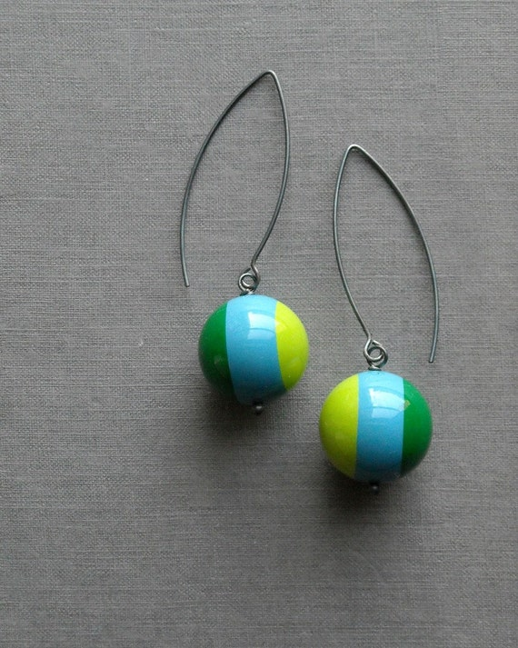 croquet earrings - vintage lucite and sterling