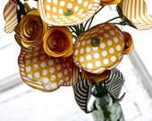 Paper flowers, bouquet, floral arrangment, roses, yellow, gold, ivory, cream, black, polka dots