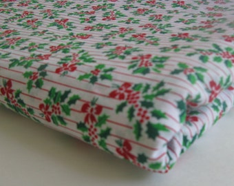 COTTON CHRISTMAS HOLIDAY FABRIC mistletoe design MEASRUES 44 INCHES BY 7 YARDS