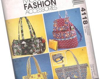 MCCALLS PATTERN 4118, ladies quilted purses, bags, and totes, new and uncut