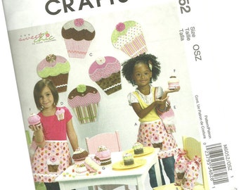 MCCALLS CRAFTS PATTERN m6052, cupcake party, wall decor, stuffed cupcakes, aprons, bags, one size fits all, new and uncut