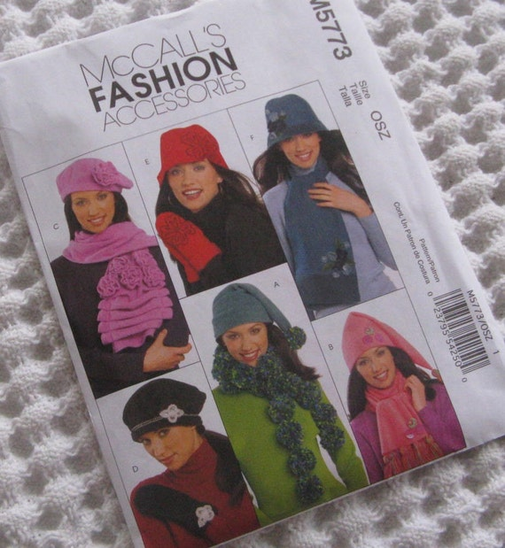 PATTERN MCCALLS M5773 ladies hats and scarves and mittens FLEECE new and uncut