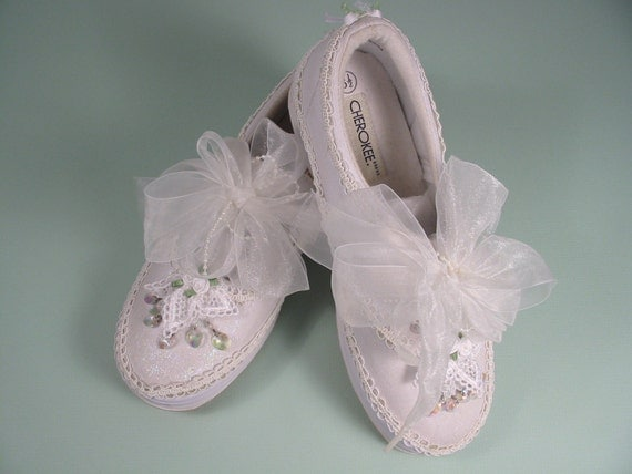 bridal tennis shoes by kittnbear218 on etsy