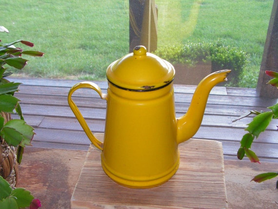 Shabby Chic Vintage Enamel Tea Coffee Pot