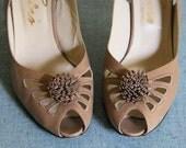 Vintage 70s POM POM Cut Out Sling Back Heels 7