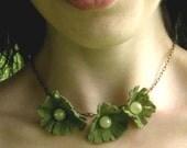 Moss Eco Felt Daisy Necklace