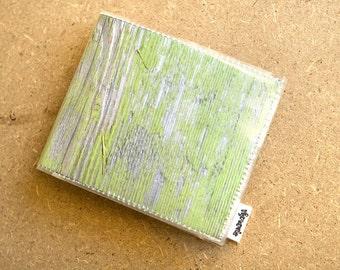 Men's vinyl wallet - Green wood
