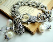 Silver chain bracelet, pearl charm bracelet, bridal bracelet,... Bliss