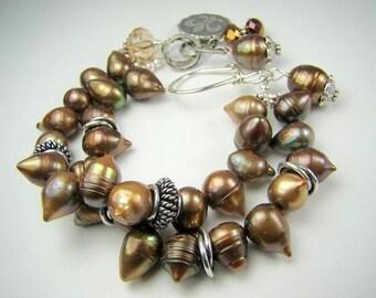 Brown pearl bracelet, chocolate brown pearls, pearl charm bracelet,... Chocolate Kiss