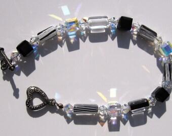fatdog Bracelet - B1045 Black and White Stripe Cane Glass and Crystal Cube