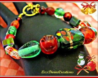Green and Red Christmas Bracelet in Glasswork Beads Was 16.00 Now Only 10.99