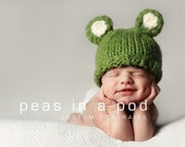 Chunky knit newborn bear hat. Newborn photo prop