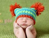 Newborn striped pom pom hat. Newborn photo prop.