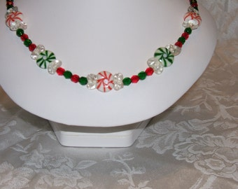 CHRISTMAS CANDY SWIRL NECKLACE