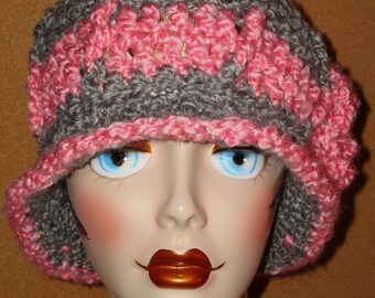 1920's Style Hand Crochet Ribbed Homespun Cloche Flapper Hat/Vintage Hat/Women's Accessories/Winter Fashion/Fall Fashion/Women's Cloche Hat
